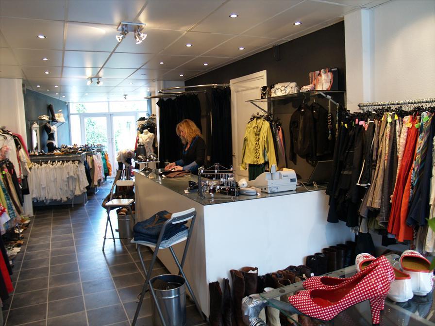winkelen breda le garage de garderobe