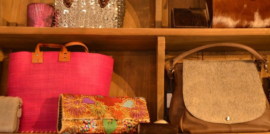 http://nlstreets.nl/images/new/ondernemers_fotos/winkelen-laren-nh-daen-laren-60256_5.jpg