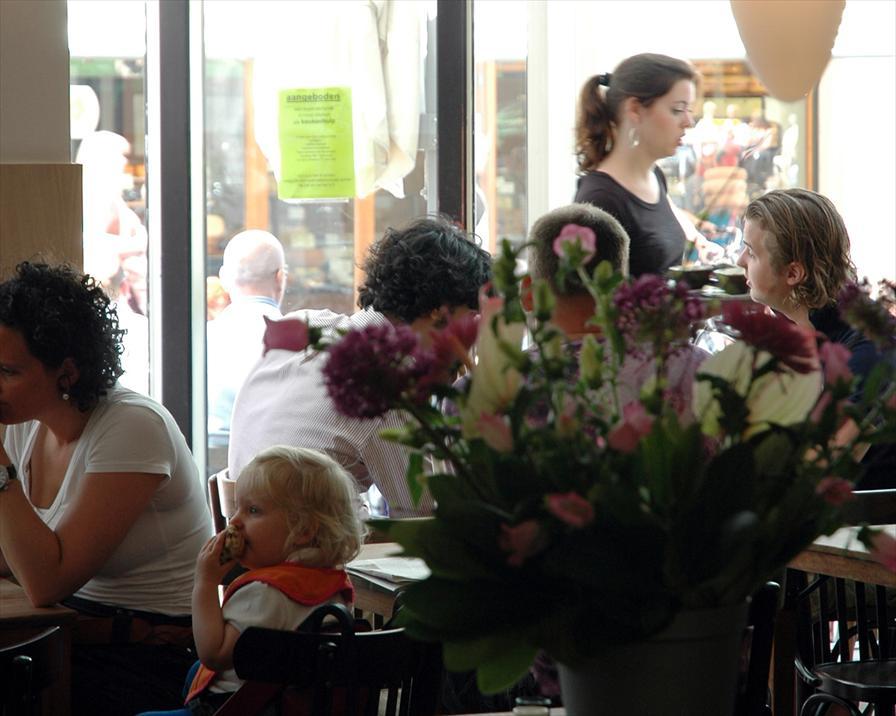 winkelen nijmegen cafe de blonde pater